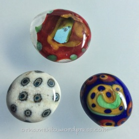 Bottom half a bead on left, whole bead on right