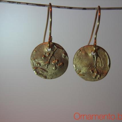 earrings unlit